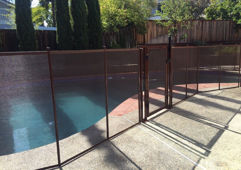 Union City Baby Barrier Pool Fence
