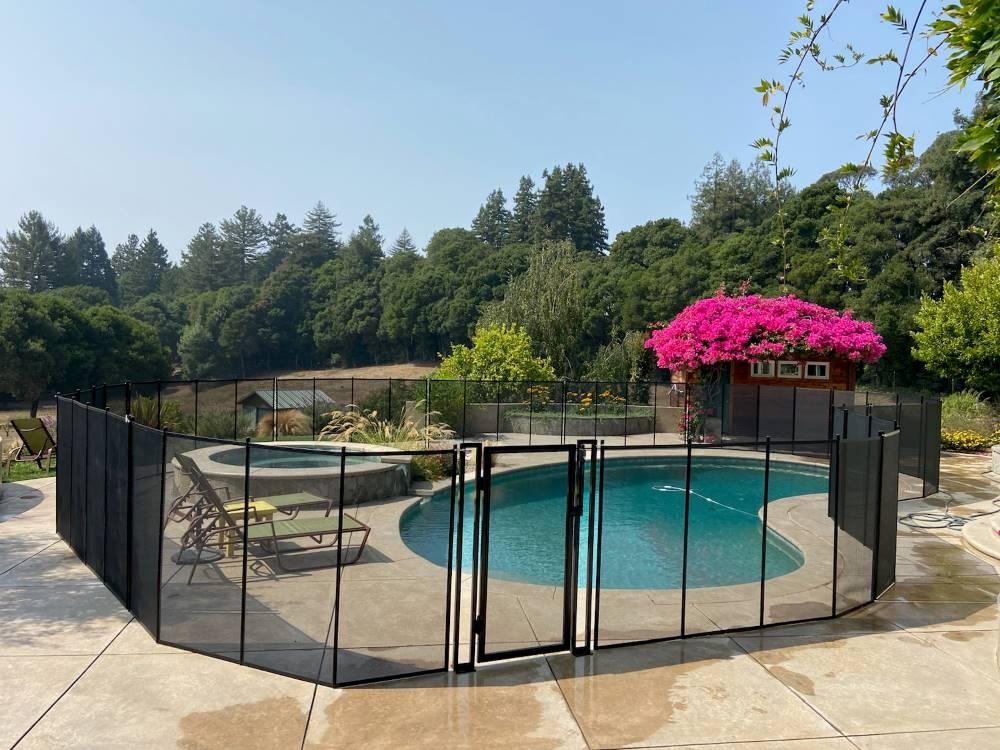 Santa Cruz Premium Pool Fence