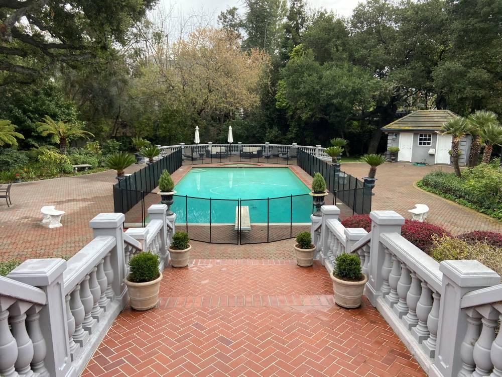 Cupertino pool fences company